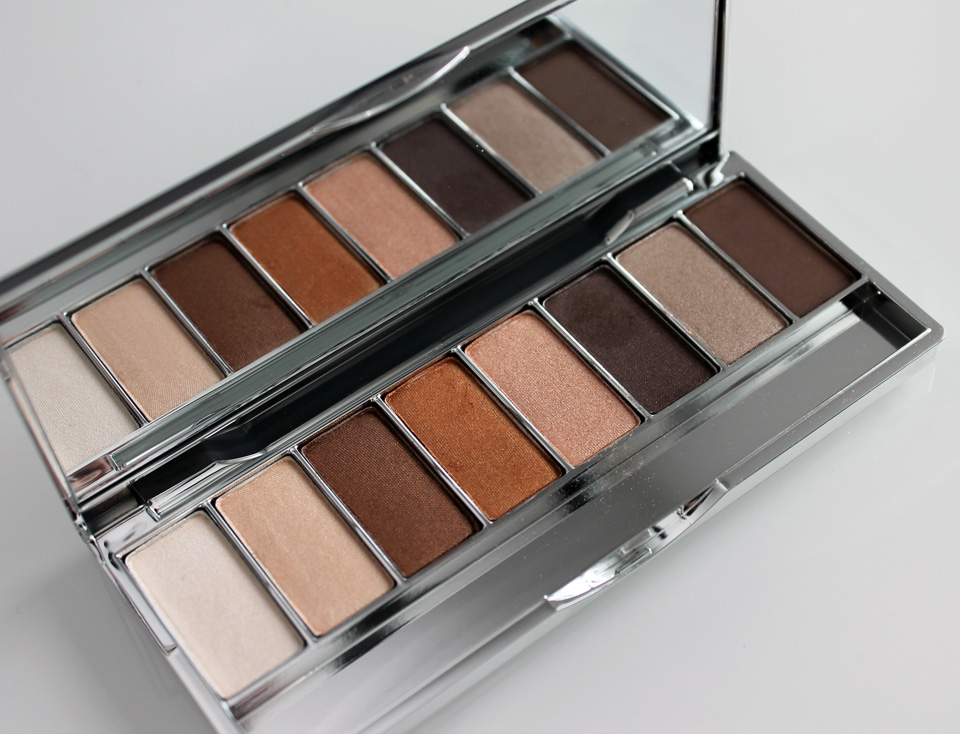 Clinique-8-Pan-Palette-Wear-Everywhere-Nudes-04
