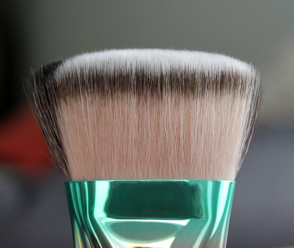MAC-Wash-and-Dry-Brush-125SE-01
